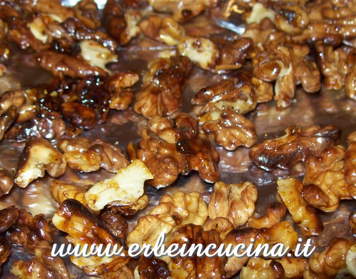 Caramelized spicy walnuts