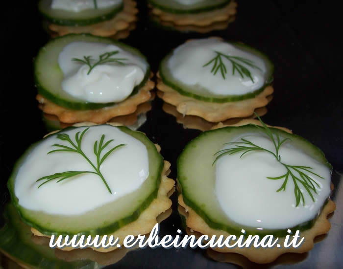 Dill canapes
