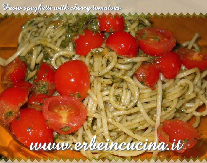 Pesto spaghetti with cherry tomatoes
